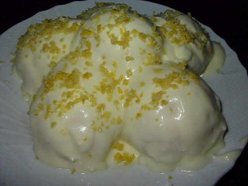 Profiteroles al limone e limoncello di Sorrento thumbnail
