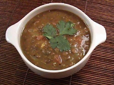 Zuppa di lenticchie con pane abbrustolito thumbnail