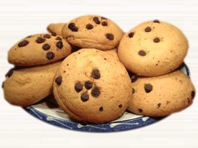 Biscotti con gocce di cioccolato thumbnail