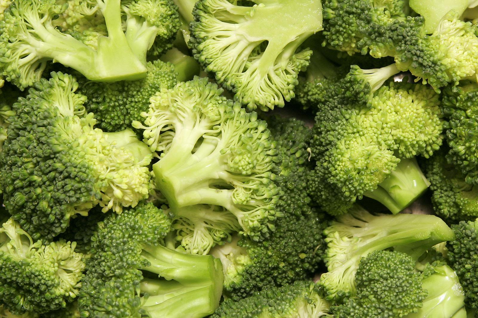 Broccoli gratinati al forno e besciamella thumbnail