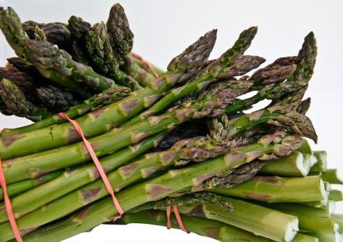 Spesa di stagione, frutta e verdura ad Aprile thumbnail